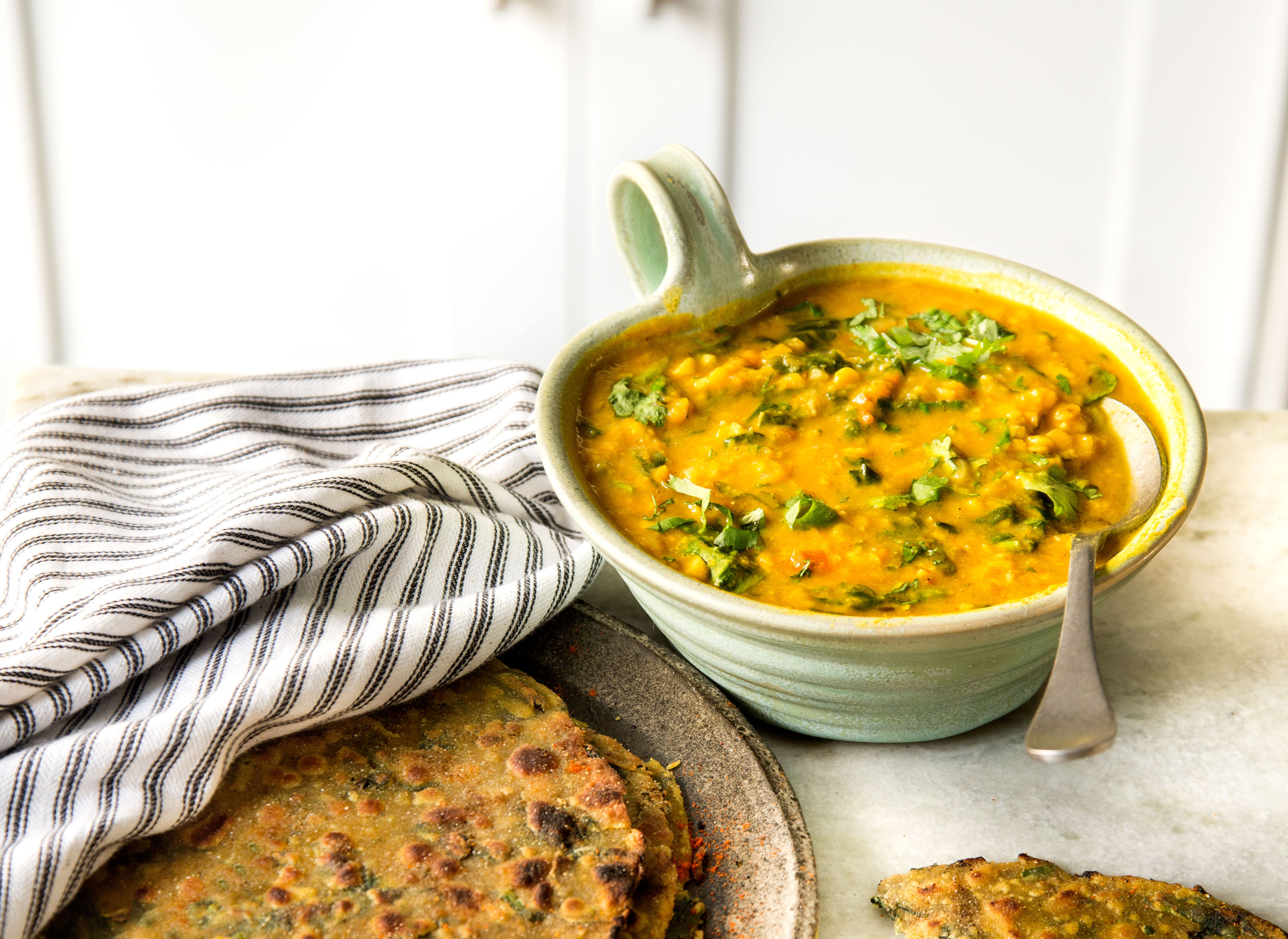 Palak Chana Dal (Indian-Spiced Chickpeas With Spinach)