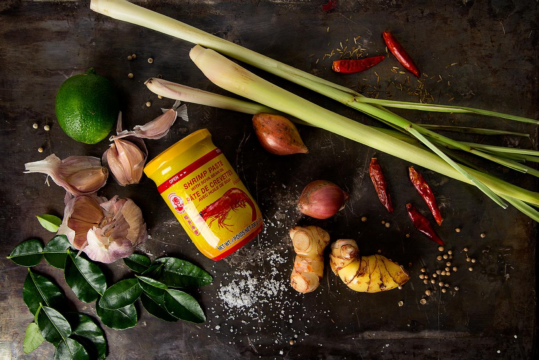 Nam Phrik Kaeng Daeng: Thai Red Curry Paste