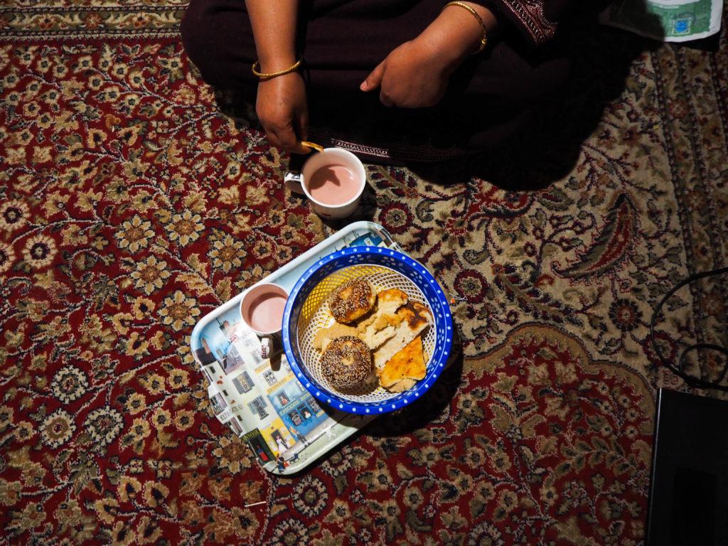 100 Cups of Tea in Kashmir